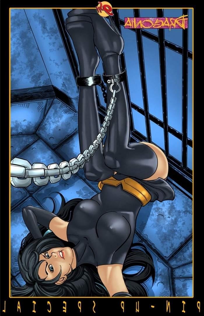 9-super-heroines-magazine-9 0_131889.jpg
