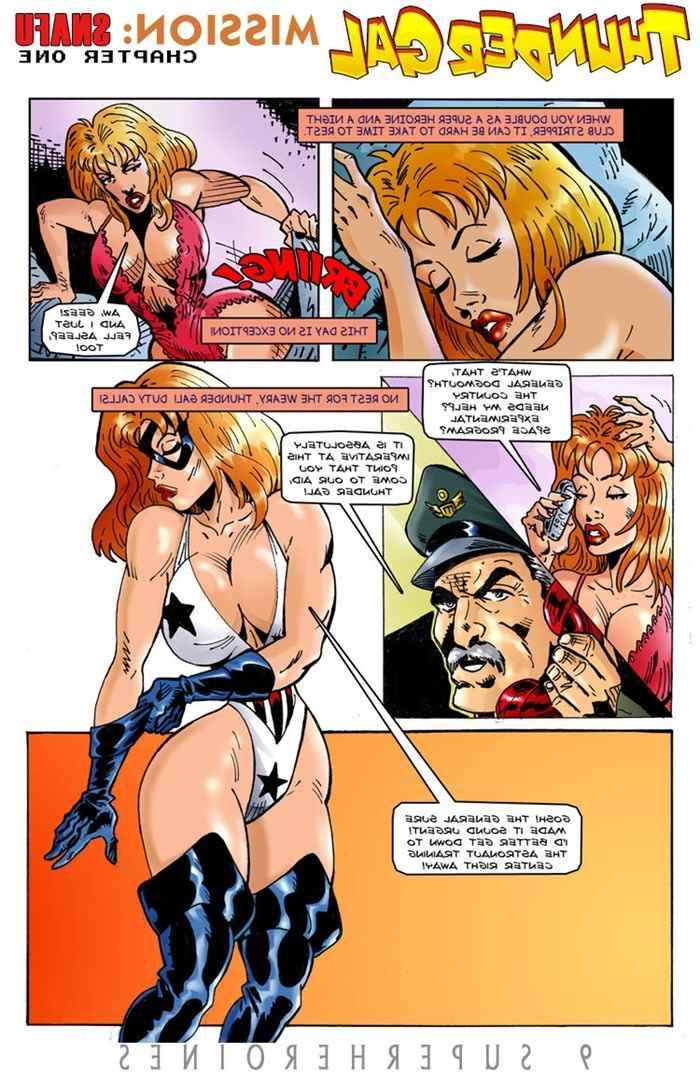 9-super-heroines-the-magazine-2 0_47111.jpg